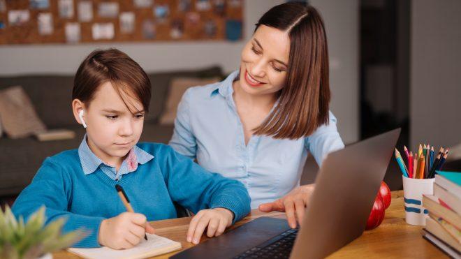 ...Clases en línea: 4 consejos para padres y apoderados